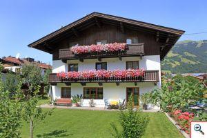 Haus Schneerose mit Sonnenterrasse und großzügigem Garten